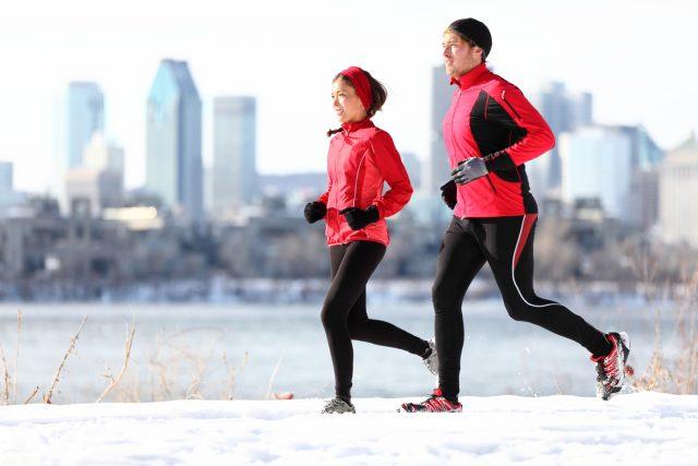 Courir l'hiver: bien s'équiper en saison froide