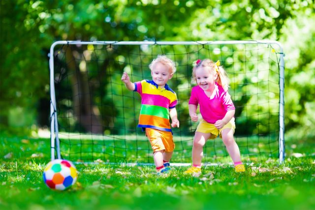 Enfant et sports d'équipe: 6 conseils d'un physiothérapeute pour prévenir les blessures!
