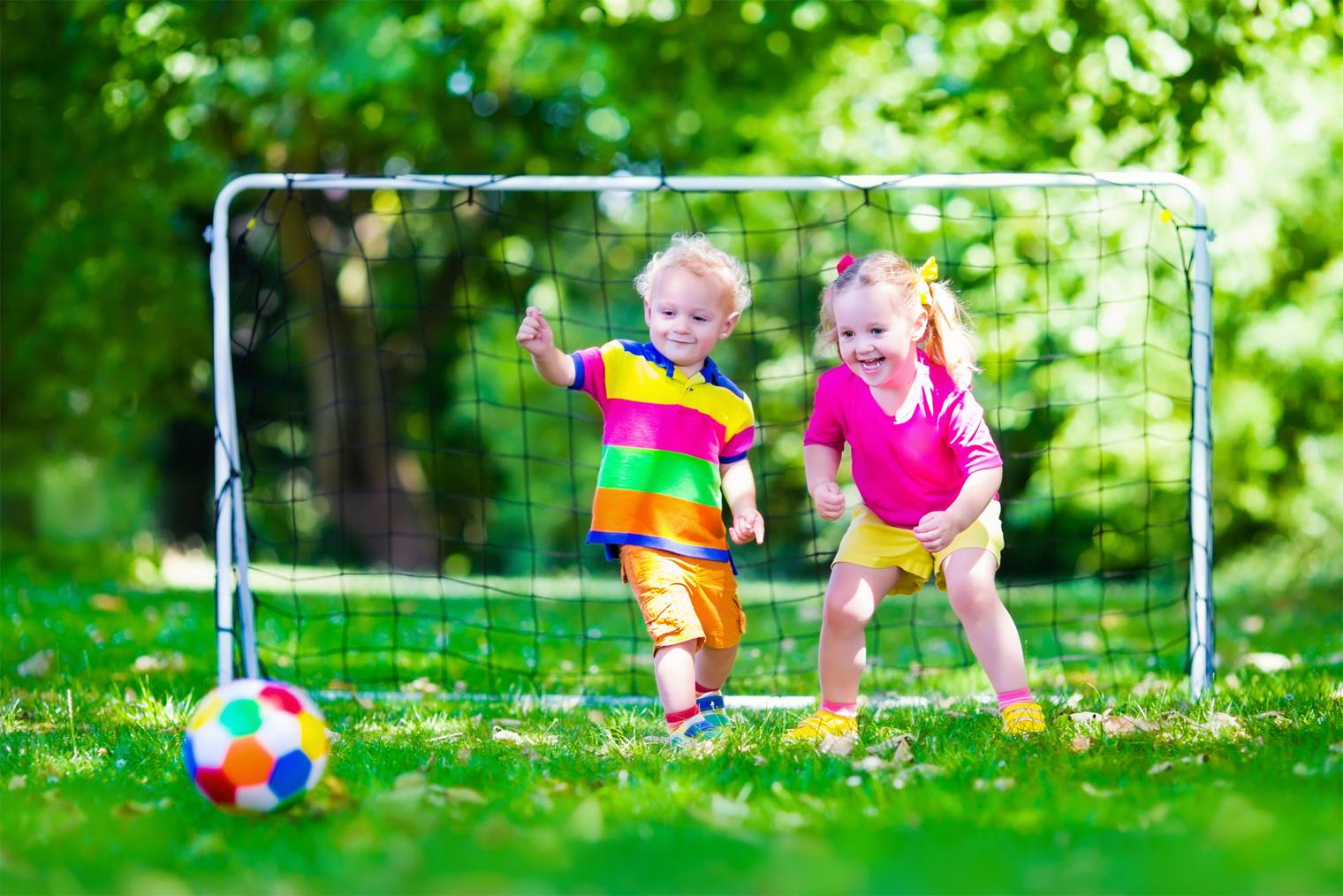 Enfant et sports d'équipe : conseils d'un physiothérapeute