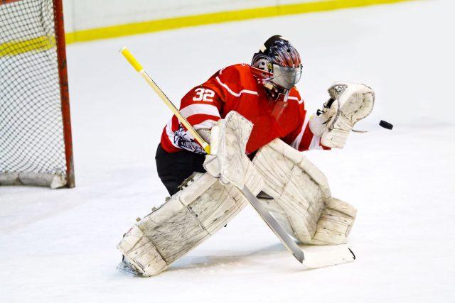 Hockey: astuces pour devenir un gardien hors pair sans se blesser