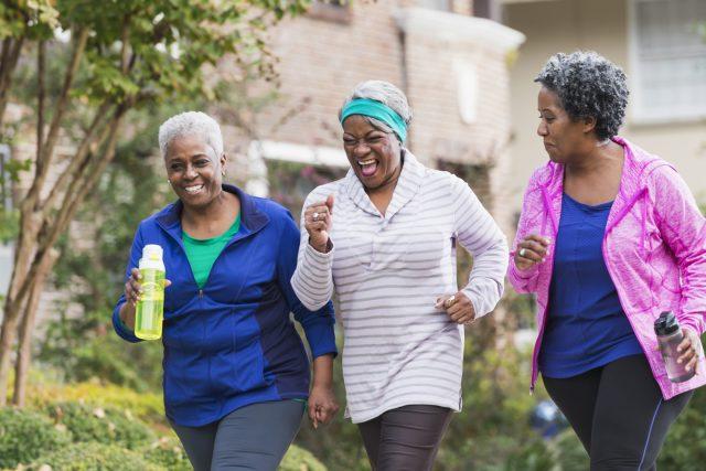 La marche à pied: bienfaits et bonnes pratiques