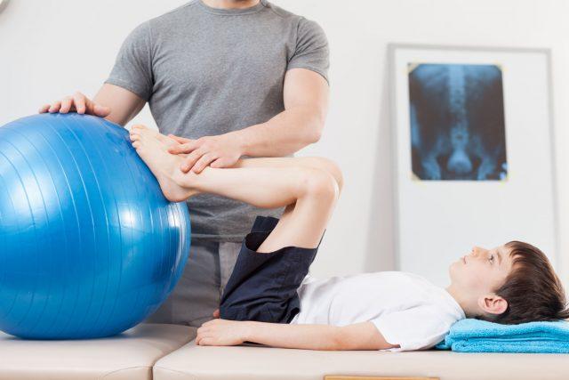Physiothérapie : quand et pour quoi consulter ? - les enfants
