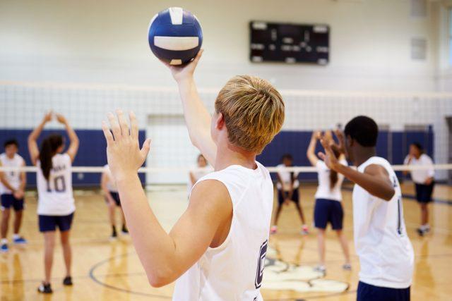Volleyball et physiothérapie: comment réduire efficacement les risques de blessure