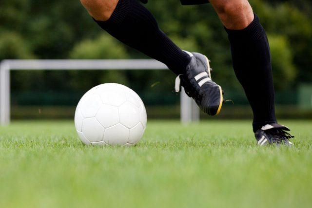 Soccer: un échauffement efficace peut diminuer les risques de blessure de 50 %!
