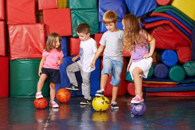 Sports d'équipe chez les enfants: tout savoir sur les avantages et les risques