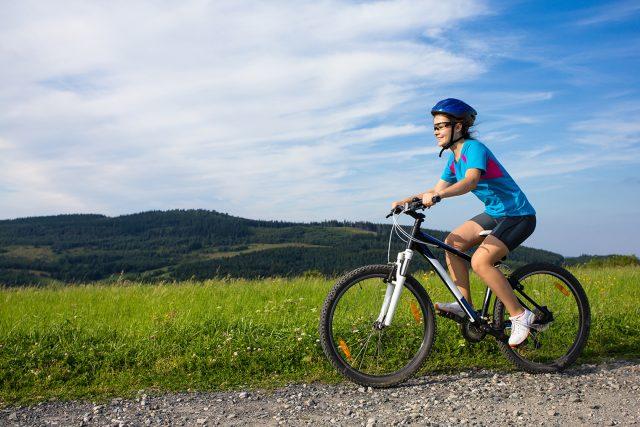 Vélo: bien se préparer pour éviter de se blesser durant la saison