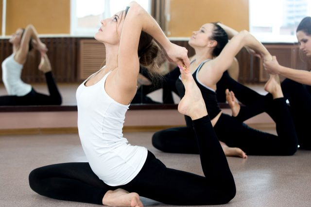 Yoga: conseils et astuces d'une physiothérapeute pour réussir vos séances