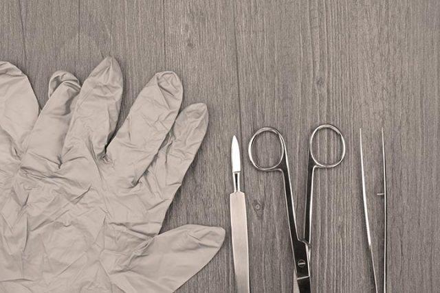 Soins de plaies: le débridement des plaies dans l'intervention physiothérapique
